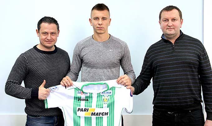 Вихованець херсонського футболу, центральний захисник Олексій Дитятьєв, підписав зі львівськими «Карпатами» 3-річний контракт