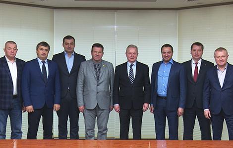 УЄФА високо оцінив проекти ФФУ для переселенців з анексованого Криму