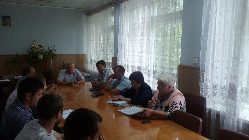 В Іванівській районній державній адміністрації відбулась нарада щодо розвитку футболу в районі