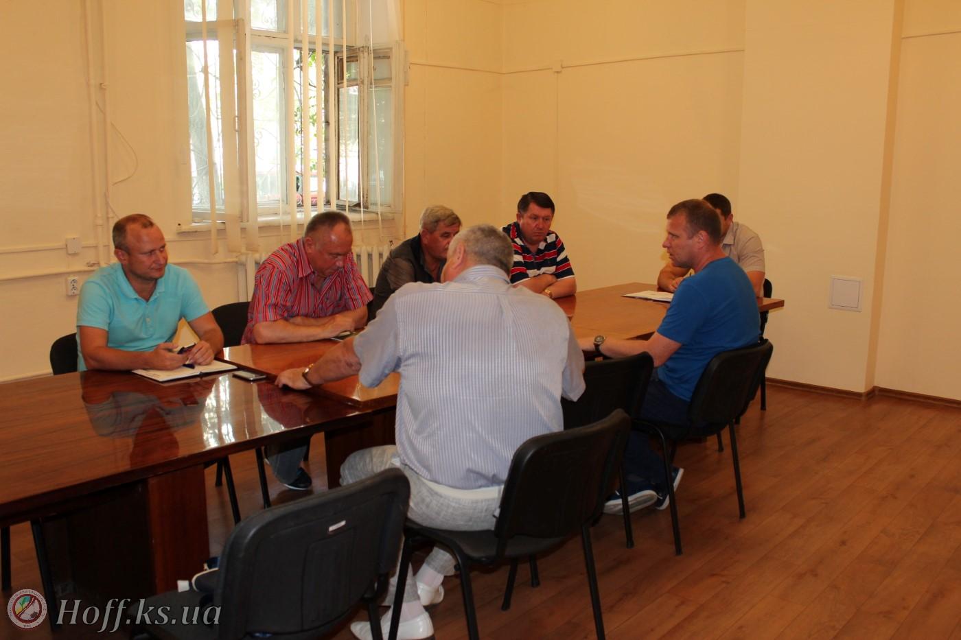 Ініціативна група щодо розгляду клопотання МФК Кристал до допуску до змагань Другої ліги 2017-18