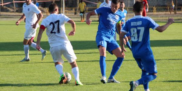 Таврия уступила на своем поле МФК Николаев-2 (1:2) в матче открытии 12-го тура Второй лиги 2017/18.