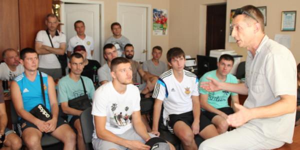 У головному офісі Херсонської обласної федерації футболу відбувся семінар  з «Правил гри» у футзал