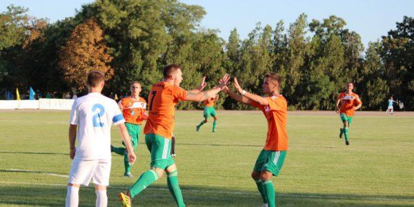 Новотроїцька «Таврія» переграє ФК «Дніпро» у рамках другого туру Чемпіонату України серед аматорів