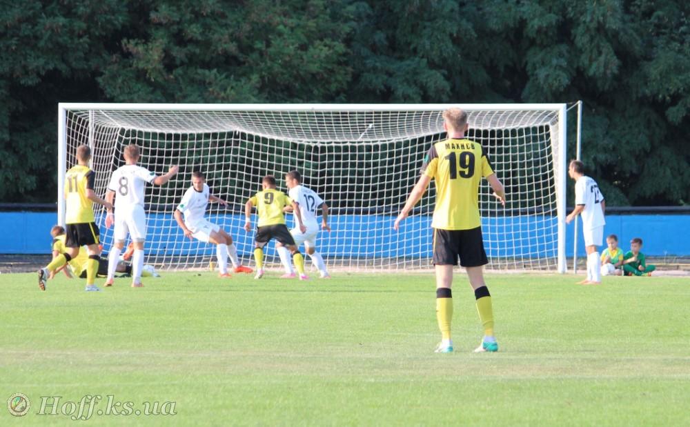 Гравець Енергії грав у матчі Другої ліги зі зламаною рукою і відзначився голом