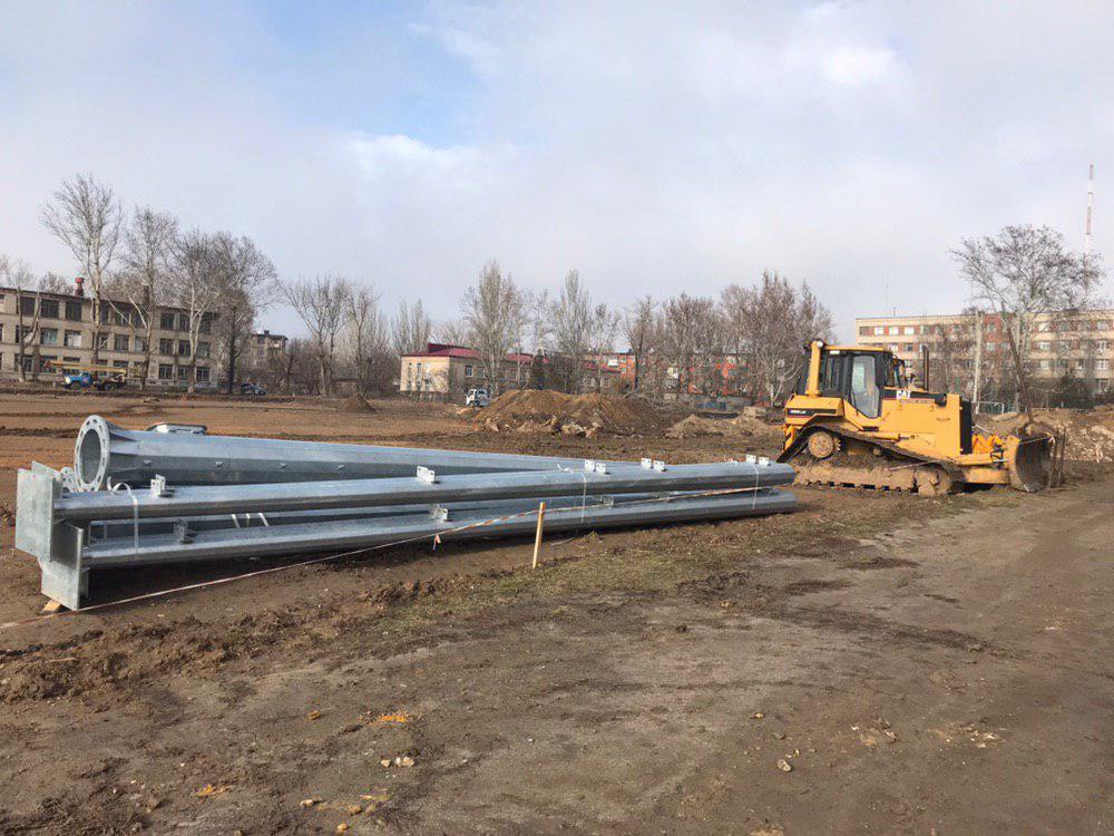 Андрій Гордєєв перевірив хід реконструкції спортмайданчика у 47 школі