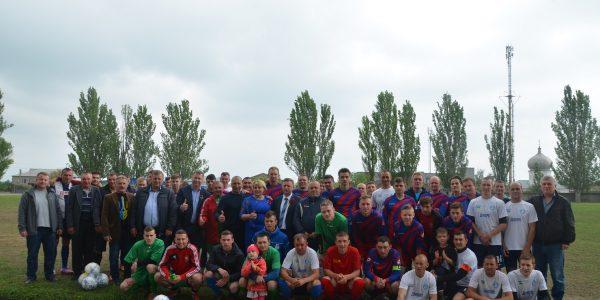 Андрій Гордєєв подарував командам Білозерської футбольної ліги футбольні м'ячі