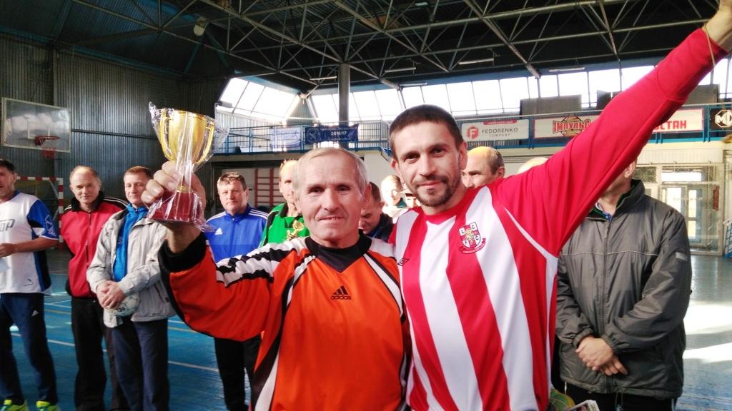Каховські ветерани стали призерами футзального турніру пам'яті Миколи Тарана.