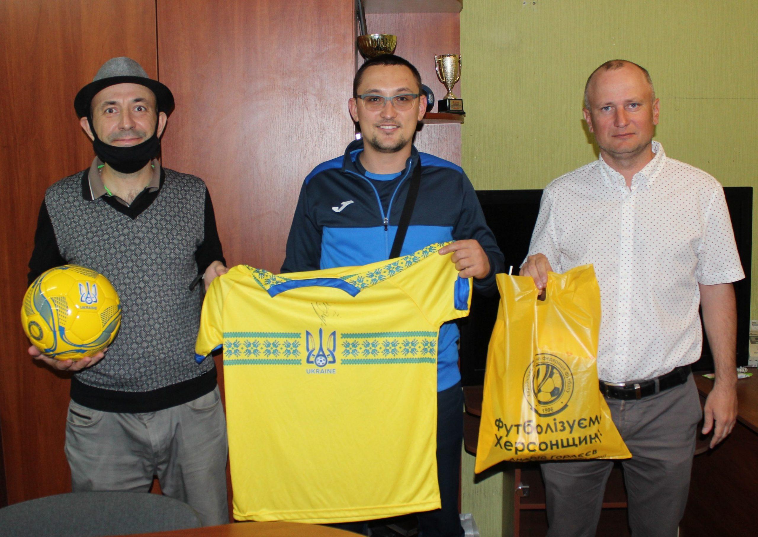 Вітаємо!!! Віктор Якунін – переможець благодійного аукціону для Дениса Карпенка!