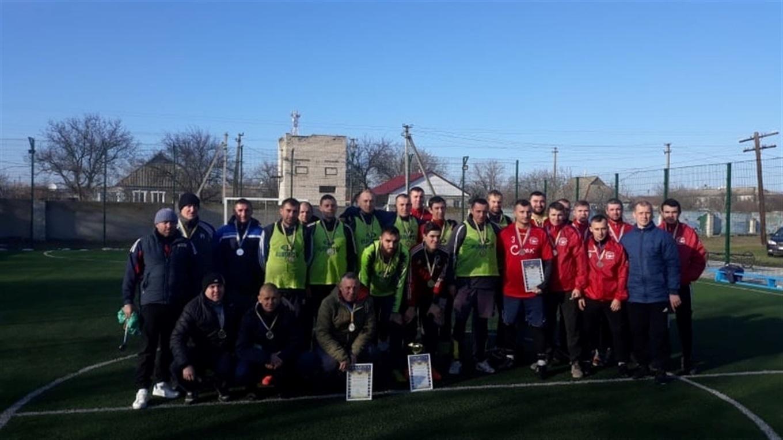 В Нижніх Сірогозах пройшов Передноворічний турнір з міні-футболу: за нагороди змагалося 6 команд