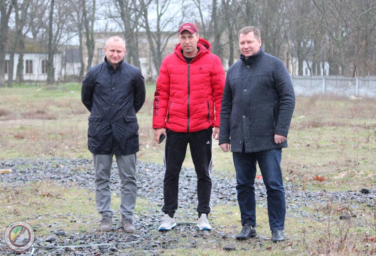 У  с. Архангельське Високопільського району, планується будівництво майданчика зі штучним покриттям