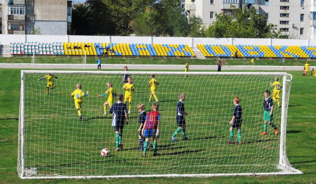 DANON Чемпіонат області з футболу серед юнаків в Каховці.