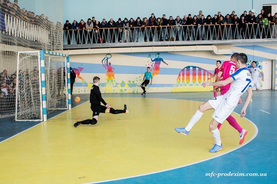 «Продэксим» крупной победой завершил регулярный чемпионат и в плей-офф вышел на «ИнБев/НПУ»