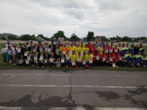 Турнир по футболу среди юношеских команд памяти Л. А. Ропана в Геническе.