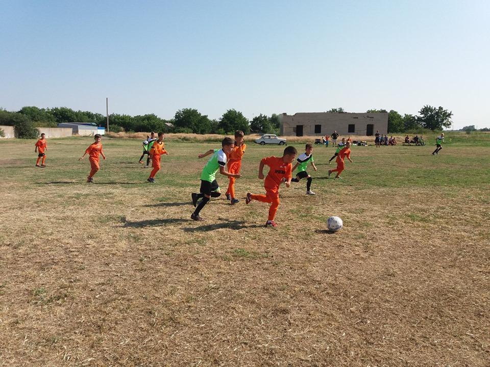 Товариський матч між юнаками 2008-2009 років народження до Всесвітнього дня дитячого футболу в Іванівці