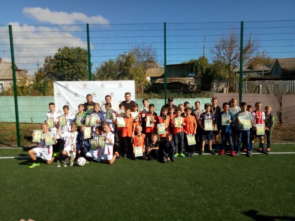 14 жовтня у День Захисника України в Станіславі на штучному майданчику пройшов дитячій турнір