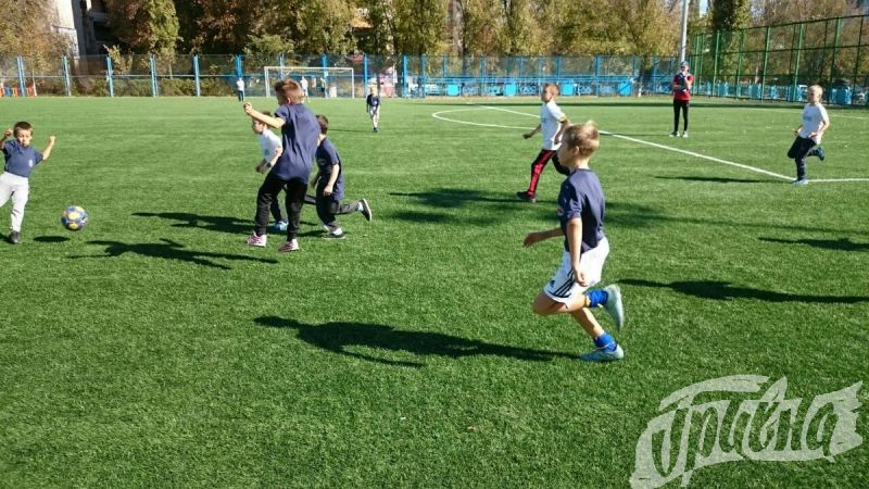 В Херсоне стартовали самые массовые соревнования по футболу – «Кожаный мяч»