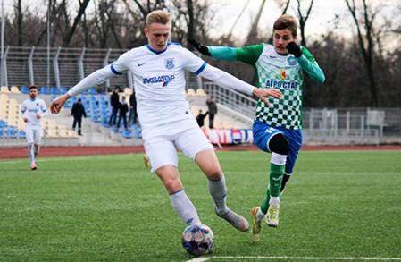 Кристал у контрольному матчі мінімально поступається першоліговому Миколаєву.