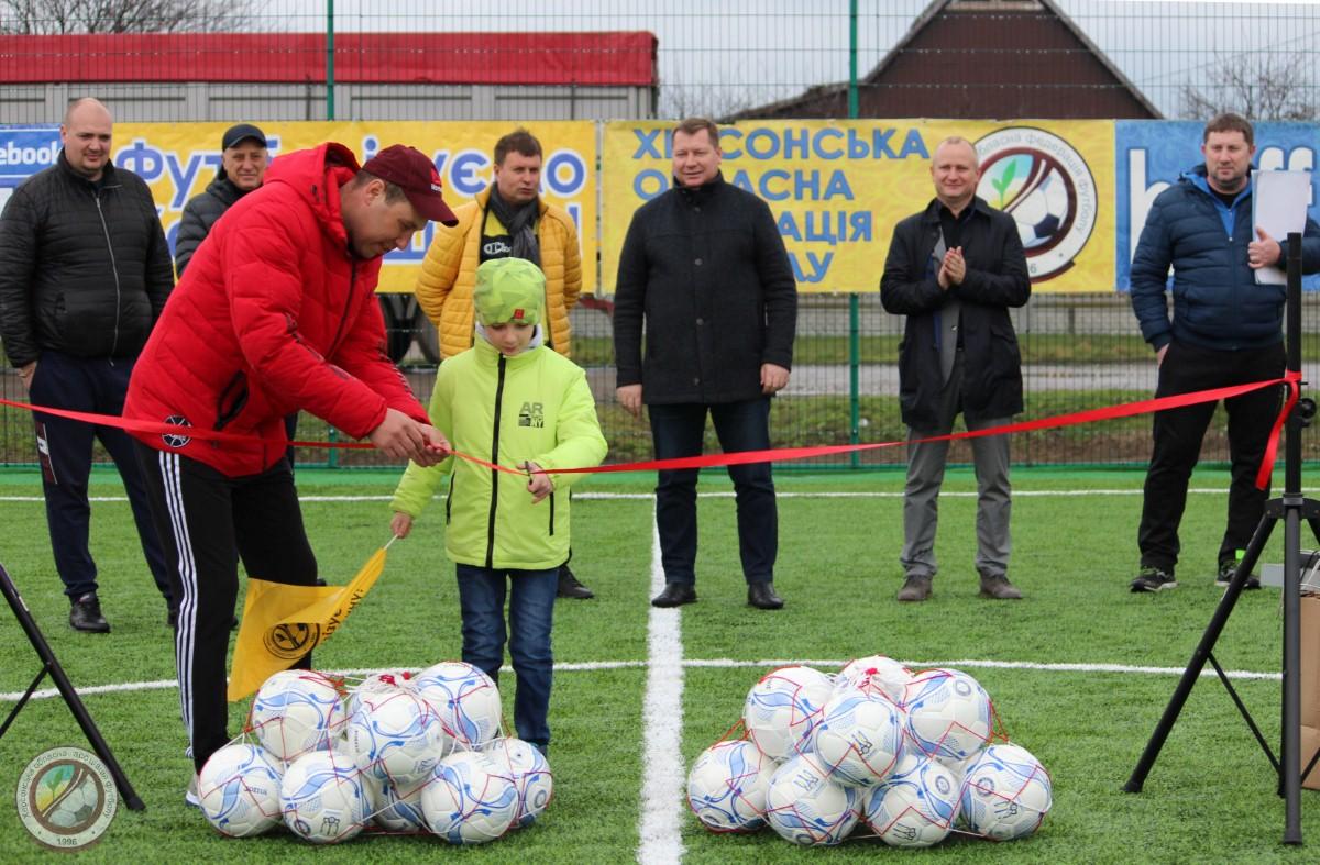 У с. Тополине Високопільського району відкрито новий футбольний майданчик!